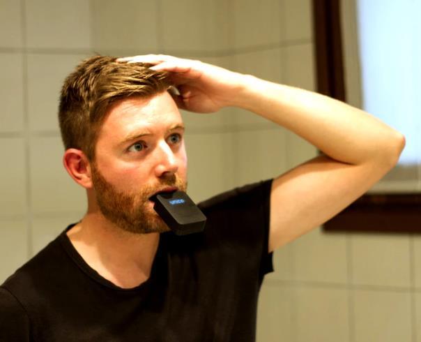 3秒で歯磨き完了するUnico smartbrush